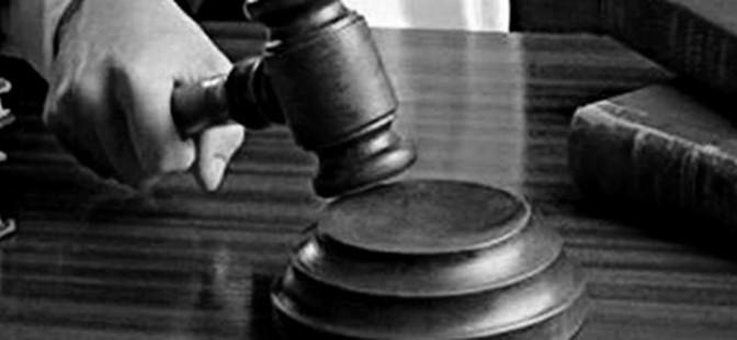 110221_e6f00_maillet-juge-tribunal_sn635